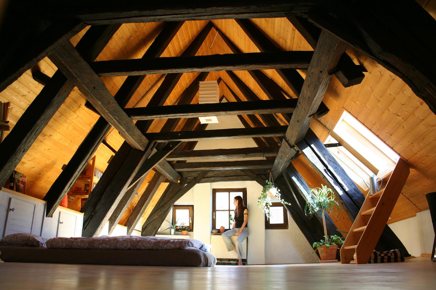 Innenausbau mit Holz der Zimmerei Lederer